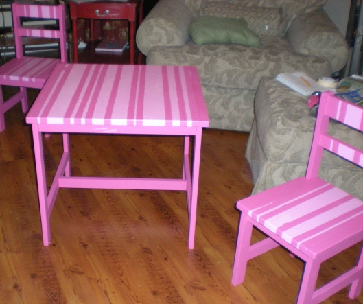 kiddie table